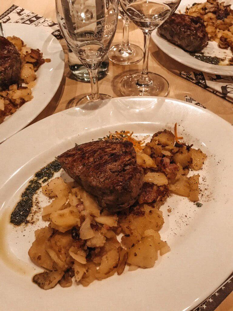 Steak mit Bratkartoffeln